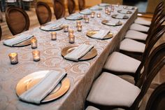 Seamist Nautilus linen and Mint Tavira napkins by Creative Coverings, photography by Lindsey Shaun