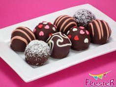Chocolade cake balls op een bord Cupcake Cakes, Cupcakes, High Tea, Cake Pops, Yummy Treats, Muffin, Tasty, Breakfast, Desserts