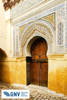 Typical door of Tangier, MOROCCO    http://www.gnv.it/it/destinazioni-traghetti/tangeri-marocco.html
