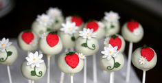 Strawberry Cake pops By Cupcake (Francisca Neves)