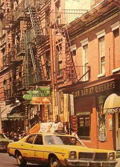pictures New York City Greenwich Village - Vintage New York, New York City, City Pages, Greenwich Village, Jolie Photo, Concrete Jungle, Retro Aesthetic, Photo Instagram, City Streets