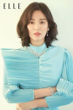 Song Hye Kyo is the new model for a Paris based luxurious jewelry brand – The House of Chaumet. I'm at a lost for an adjective to describe her beauty. Fashion Song, Song Hye Kyo Fashion, Style Fashion, Song Hye Kyo Style, Song Hye Kyo Hair, Korean Beauty, Asian Beauty, Korean Celebrities, Celebs