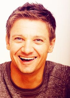 Jeremy Renner is THE BEST ACTOR IN THE ENTIRE WORLD!!! I love him!