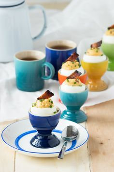 Serve Bacon Deviled Eggs for breakfast and brunch and you won't regret! An egg stuffed with a bacon filling is sure to be a winner. Breakfast Time, Breakfast Ideas, Broken Egg, Bacon Deviled Eggs, Soft Boiled Eggs, Plain Yogurt, Egg Cups, Brunch Recipes, Sour Cream