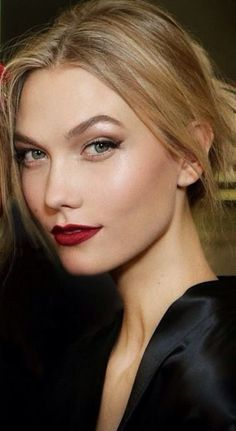 Karlie Kloss backstage at Dolce & Gabbana F/W 2015