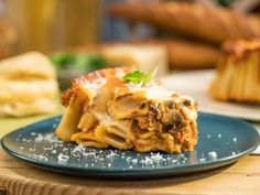 """Easy Sausage and Mushroom Rigatoni Pie (No Carb Left Behind) - Sunny Anderson, """"The Kitchen"""" on the Food Network. Rigatoni Pie, Sausage Rigatoni, Vodka Rigatoni, Kitchen Recipes, Pie Recipes, Cooking Recipes, Pasta Recipes, Healthy Recipes, Recipies"""