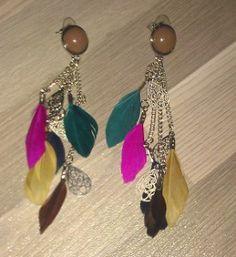 Kleurrijke veren oorbellen!