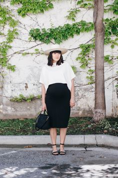 four maternity outfits that every pregnant woman should own. #39weeks