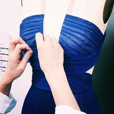 gillesmendelHand-pleating, a very precious craft in the Atelier #JMendel #OMGilles