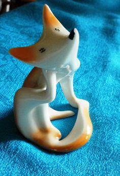 Art Deco porcelain fox, Hollóháza Porcelain Factory, Hungary Art Deco, East Germany, Vintage Ceramic, Nice Things, Hungary, Kara, Temple, Fox, Ceramics