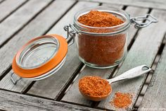 Homemade Taco Seasoning Spice Mix -- spice up your meals without all of the icky additives of store bought taco seasoning! | via @unsophisticook on unsophisticook.com