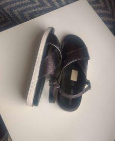 924529c2eeba023e82a420a2804642db Mary Janes, Sneakers, Shoes, Fashion, Style, Tennis, Moda, Slippers, Zapatos