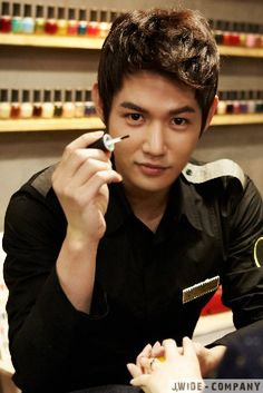 Nail Salon Paris ♥ Jun Ji Hoo as Alex