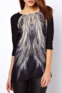 Feather Print Scoop Neck 3/4 Sleeve T-Shirt