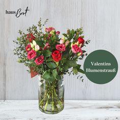 Der Valentinstag steht wieder vor der Tür💖 Ein romantisches Geschenk wie ein Blumenstrauß führt nicht umsonst das Ranking der schönsten Valentinstag Geschenkideen an.💐 Bestelle die blumige Überraschung direkt nach Hause oder ins Büro und entspanne dich🤩    #valentinstag #VollGenuss #frischgeliefert #nachhausegeliefert #onlinebestellt #blumen #valentinstag2020 #valentin #flowers #breakfast #wien #vienna #lieferservice #delivery #auswien #rosen #Lisiathus #Inkalilien #Eucalyptus Glass Vase, Delivery, Decor, Romantic Breakfast, Romantic Ideas, Prove Love, Romantic Gifts, Beautiful Flowers, Lilies