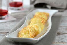 Dischi di sfoglia al formaggio Salty Foods, Antipasto, Happy Hour, Food And Drink, Appetizers, Pizza, Bread, Cheese, Dinner
