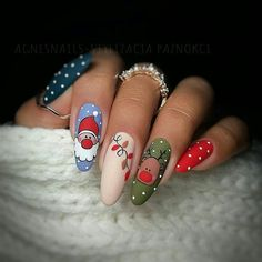 Newest Christmas Nail Art Ideas For 2019 - Page 10 of 10 - Vida Joven - -You can find Noel nails and more on our website.Newest Christmas N. Cute Christmas Nails, Christmas Nail Art Designs, Holiday Nail Art, Xmas Nails, Winter Nail Designs, Winter Nail Art, Winter Nails, Spring Nails, Christmas Ideas