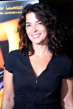 Annabella Sciorra Human Hair Color, Hair Color Dark, Dark Hair, Annabella Sciorra, Genetics Traits, Beautiful Actresses, Amazing Women, Most Beautiful, Sexy Women