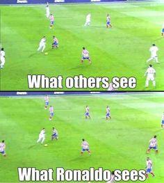 Being Cristiano Ronaldo - funny world - Sport Funny Football Memes, Soccer Jokes, Funny Sports Memes, Soccer Stuff, Funny Soccer Quotes, Softball Quotes, Ronaldo Funny, Ronaldo Soccer, Football Soccer
