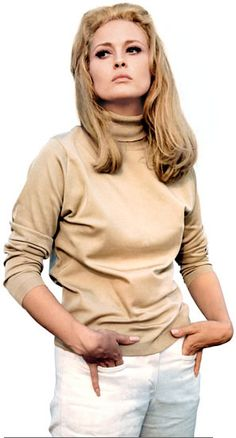 The Thomas Crown Affair, Faye Dunaway, 1968 Affiche sur AllPosters. Faye Dunaway, Jane Birkin, Thomas Crown Affair, Bonnie Parker, Domestic Goddess, Famous Women, Iconic Women, Classic Beauty, Famous Faces