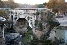 Ponte Rotto, Isola Tiberina. Roma