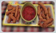 Xurros cassolans salats amb salsa de tomaquet picant