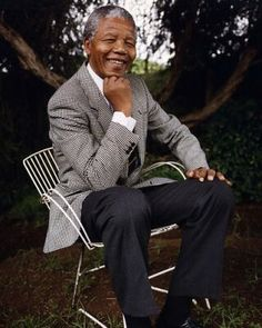 Nelson Mandela:History/Hero/Fashion -We Love You Madiba! Nelson Mandela, Photo Souvenir, First Black President, Human Rights Activists, Nobel Peace Prize, Nobel Prize, Black Presidents, Freedom Fighters, African History