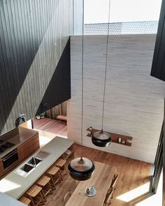 Pale brickwork lines the living areas of this Sydney house by local studio Andrew Burges Architects, while the bedrooms are located in blackened wood volumes on top. D House, Timber Flooring, Brickwork, Modern Kitchen Design, Kitchen Designs, Interior Architecture, Australian Architecture, Scandinavian Architecture, House Design
