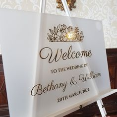 This luxury welcome sign is available in clear or frosted with  mirrored or white vinyl lettering  #acrylicstationery #luxuryweddingstationery