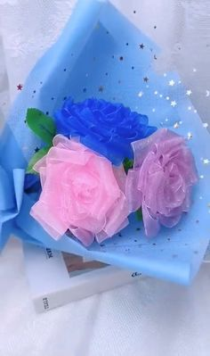 Paper Flowers Craft, Paper Crafts Origami, Flower Crafts, Diy Flowers, Fabric Flowers, Diy Crafts Hacks, Diy Crafts For Gifts, Creative Crafts, Ribbon Flower Tutorial