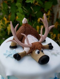Frozen Inspired Sven the Raindeer Hand Made Edible Fondant Cake or Cupcake Topper Fondant Toppers, Fondant Cakes, Cupcake Cakes, Cupcakes, Christmas Cake Designs, Christmas Cake Decorations, Frozen Theme Cake, Frozen Birthday Cake, Cake Topper Tutorial