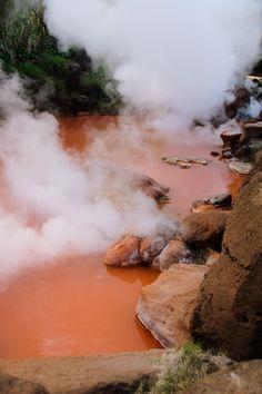Chinoike Jigoku (Blood Pond)