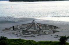 Ilusões 3D incriveis feitas na areia da praia (4)