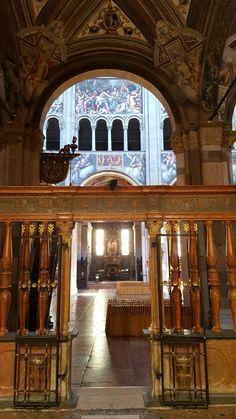 Dalla Cappella del Comune:matroneo affrescato da Lattanzio Gambara - Vita di Cristo 1571