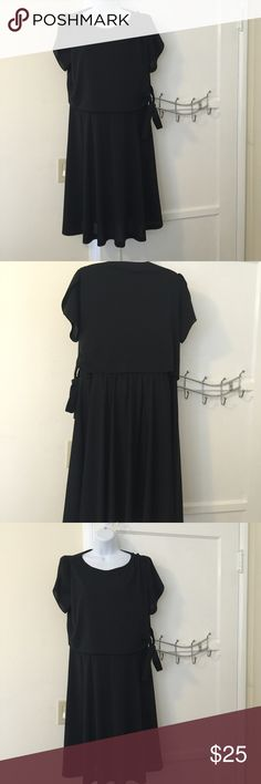 Vintage plus size dress Really cute - 70s style.  Black dress with black overlay that lies over the chest area that ties at the side Vintage Dresses Midi