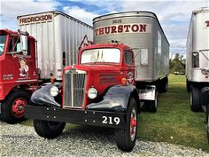 I seriously fancy this color selection for this Mack Trucks, Big Rig Trucks, Cool Trucks, Chevy Trucks, Semi Trucks, Antique Trucks, Antique Tractors, Vintage Trucks, White Tractor