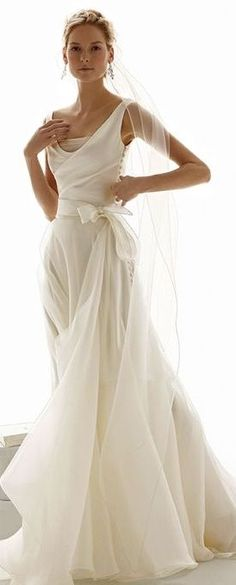 Chiffon or tulle gown with satin bodice from Le Spose Di Gio P I N T E R E S T Amanda-Beth Cohen The post Chiffon or tulle gown with satin bodice from Le Sp… appeared first on Garden ideas - Wedding Gown Wedding Dress Trumpet, Wedding Gowns, Wedding Ceremony, Wedding Bands, Wedding Parties, 2017 Wedding, Backless Wedding, Wedding Beach, Italy Wedding