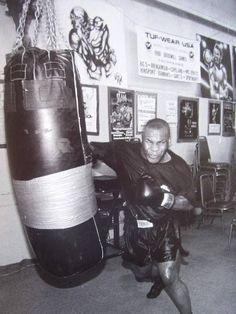 Mike Tyson va jouer dans un film algérien (PHOTOS) Boxing Gym, Mma Boxing, Boxing Workout, Boxing Classes, Fitness Workouts, Jiu Jutsu, Photo Star, Boxing Champions, Sports Figures