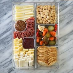 charcuterie board Use a simple drawer organizer to take your cheese boards on the go with this simple trick for making a Trader Joe's cheese board on-the-go. Charcuterie Recipes, Charcuterie And Cheese Board, Cheese Boards, Charcuterie Picnic, Snacks Für Party, Appetizers For Party, Appetizer Recipes, Easter Appetizers, Game Night Snacks