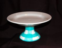 Adorable Pedestal Cake Plate. I would love it for cookies. So sweet <3