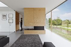 El estudio i29 diseña el interior de Villa Bloemendaal en Holanda, un espacio para convivir con el entorno
