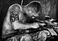 British combat photographers only drop camera if enemy fire 'hits close' - PhotoBlog