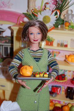 Barbie 80s, Barbie Food, Barbie And Ken, Vintage Barbie, Barbie Miniatures, Barbie Diorama, Twilight Dolls, Barbie Happy Family, Barbie Kitchen