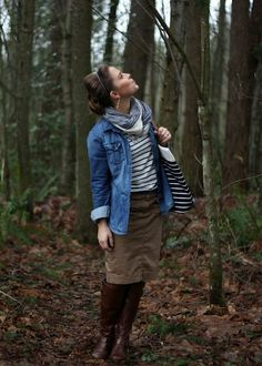 Khaki skirt, Chambray shirt, striped shirt, scarf and boots nice casual look- LOVE IT Modest Winter Outfits, Skirt Outfits Modest, Winter Skirt Outfit, Fall Winter Outfits, Autumn Winter Fashion, Casual Outfits, Cute Outfits, Rustic Outfits, Summer Outfits