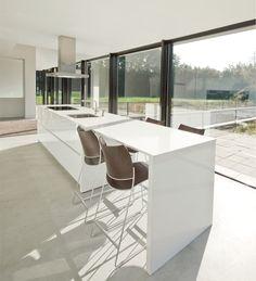 :KITCHEN:: Simple white kitchen in Villa Geldrop by Hofman Dujardin