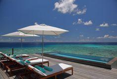 Sit back and count the blues @fourseasons #maldives #landaagiraavaru #fsmaldives