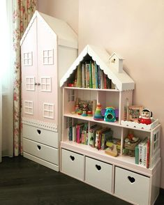 Model with 30 girls' rooms – house-shaped beds and cupboards Modell mit 30 Mädchenzimmern – hausförmige Betten und Schränke Model with 30 girls 'rooms – house-shaped beds and wardrobes, # house-shaped # girls' rooms - Baby Bedroom, Girls Bedroom, Bedroom Decor, Doll House Plans, Diy Doll House, Kids Room Design, Kids Decor, Home Decor, Little Girl Rooms