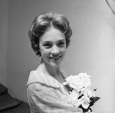 1960 Camelot Julie Andrews backstage