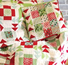 quilted christmas pillow | 120-Minute Gift: Yuletide Twist Pillow