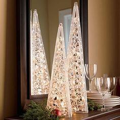 Lighted Pyramid Trees - Indoor or Outdoor #diylights #christmasoutdoor